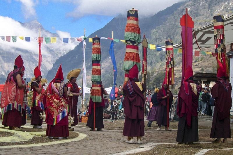 monk rituals bhutan
